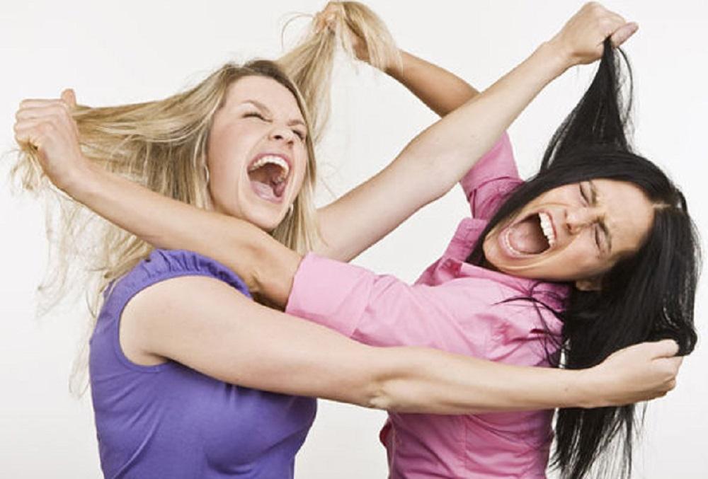 две девушки на одном фото