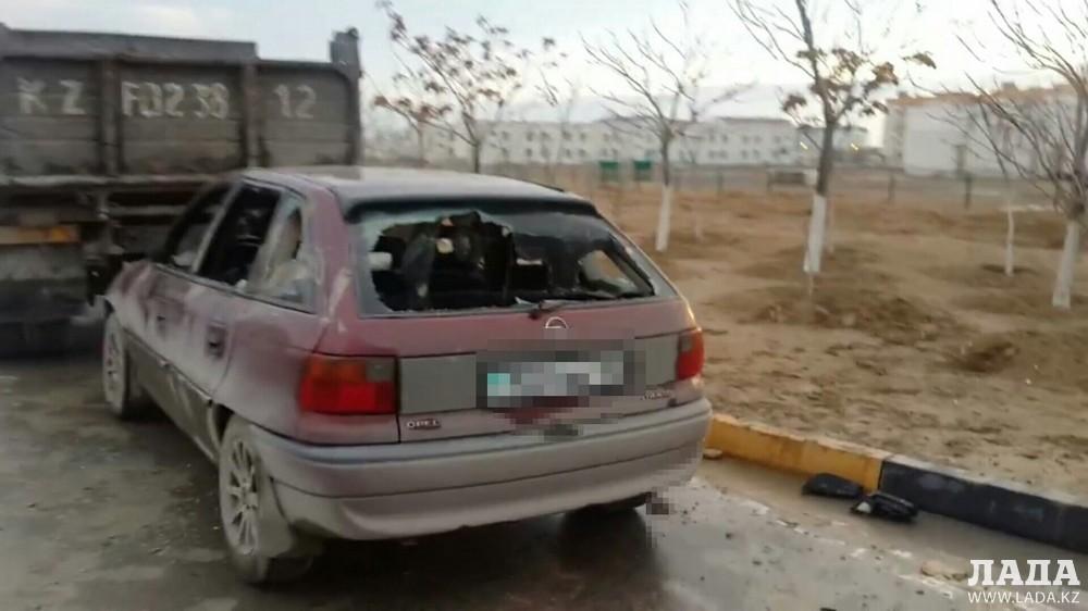 Хулиганы разгромили несколько авто