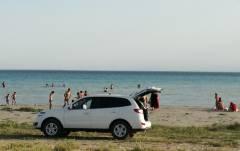 Машины на солдатском пляже