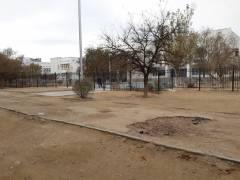 Единственный тротуар средней школы №16 в 27 мкрн