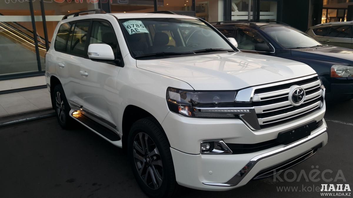 Пять автомобилей Toyota Land Cruiser-200 приобрел акимат Мангистауской области