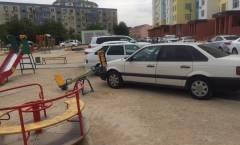 Парковка на детской площадке