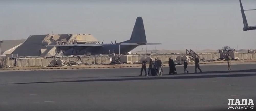 Спасенные из Сирии казахстанцы прибыли в Актау (ВИДЕО)
