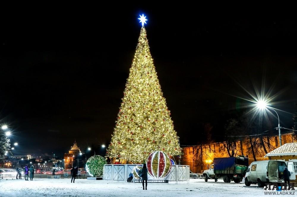 Новогодняя ёлка появится у здания Ассамблеи народа Казахстана в Актау