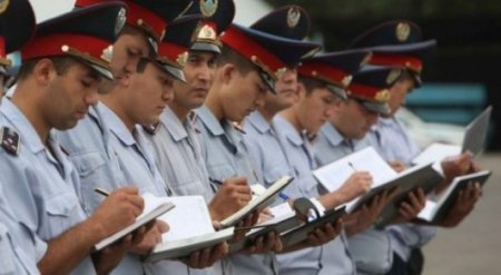 Полицейские не будут проверять регистрацию по месту жительства на улице - Саинов
