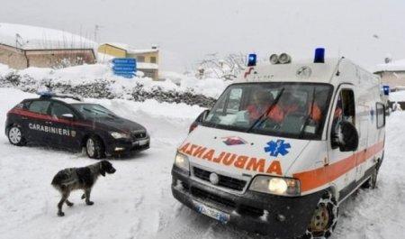 В оказавшемся под лавиной отеле в Италии нашли выживших