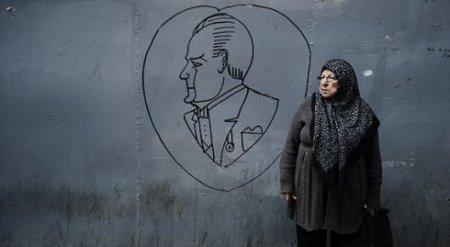 В Турции бабушкам начнут платить зарплату за воспитание внуков