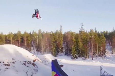Двойное сальто назад на снегоходе сделал шведский экстремал