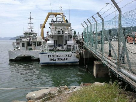 Судно с 31 человеком на борту пропало у берегов Малайзии