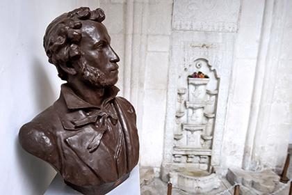 Пользователей интернета заставят за год прочитать все стихотворения Пушкина