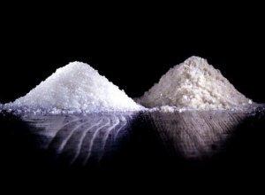 Диетологи рассказали об опасности употребления сахара и соли