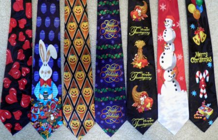 "Мухтар Аблязов ""выбирает"" галстук для допроса в Астане"