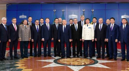 Глава Нацбанка и генпрокурор дали клятву народу и Назарбаеву