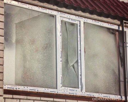 В Павлодаре очередников заселили в дом с разбитыми окнами и без батарей