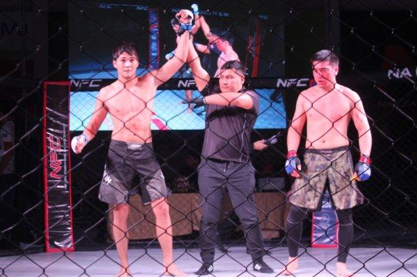 В Актау чемпионский пояс «NFC West Kazakhstan» в фестивале боевых искусств взял атырауский боец Абылай Толеш