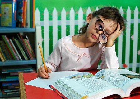 В школах Казахстана сократят объемы домашних заданий учеников