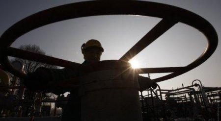 Цены на нефть упали ниже 55 долларов за баррель