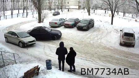 В Харькове припаркованная машина попала в семь ДТП за час