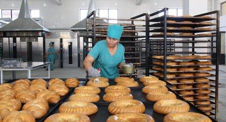 """Сенаторы нашли в казахстанском хлебе """"ядовитые дрожжи"""""""