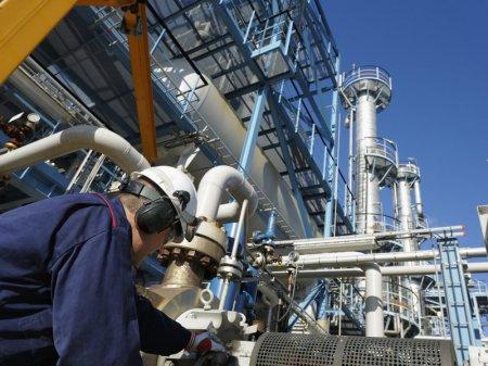 Канат Бозумбаев: Chevron временно отказалась от всех своих проектов ради Тенгиза