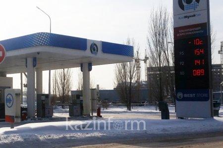 Бензин вновь подорожал на заправках Астаны