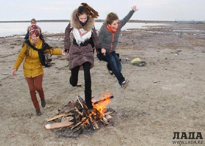 Гуляй, Масленица: Семейная традиция одной большой компании