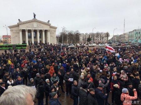 Мы не рабы: Рассерженные белорусы вышли на площади