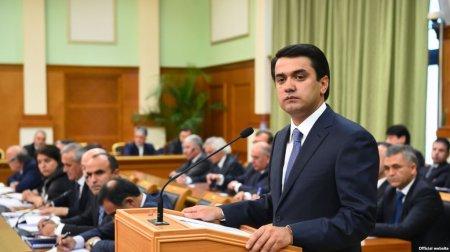 Президент Таджикистана учит сына-мэра, как управлять Душанбе