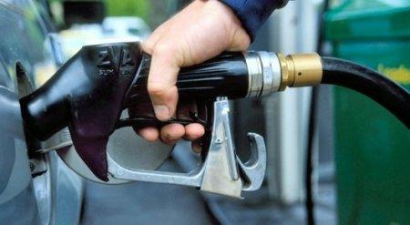 На казахстанских АЗС второй раз за месяц выросли цены на бензин