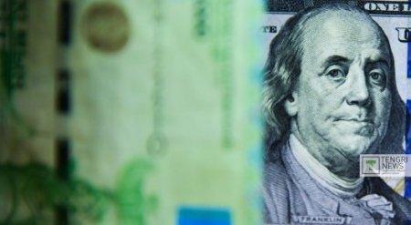 В Нацбанке объяснили, почему подешевел доллар