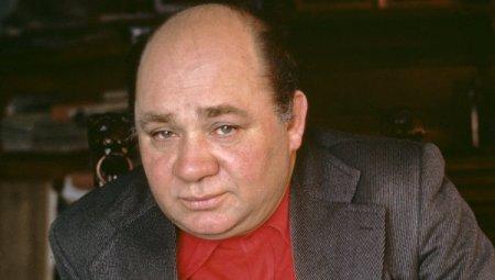 Как вели себя Масляков, Леонов, Роза Багланова и другие звезды в актюбинском ресторане