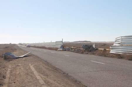 В Актау пьяный водитель внедорожника врезался в ограждение водозаборного канала ТОО «МАЭК-Казатомпром»