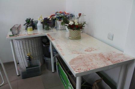 В Актау обокрали студию декора и флористики