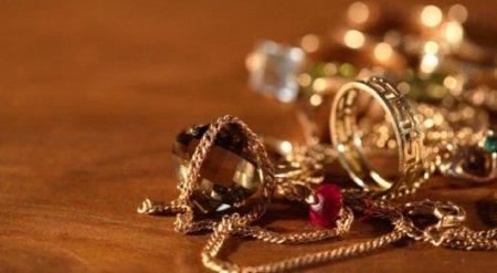 Золото на 253 миллиона тенге изъяли у гражданки Кыргызстана в аэропорту Астаны