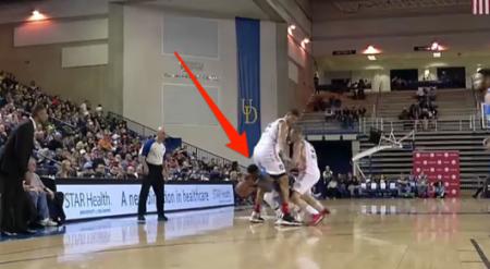 Баскетболист обвел соперника, пробежав у него с мячом между ног