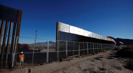 """Трамп нашел деньги только на два километра """"мексиканской стены"""" - СМИ"""