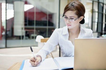 По количеству работающих женщин Казахстан занимает второе место в мире