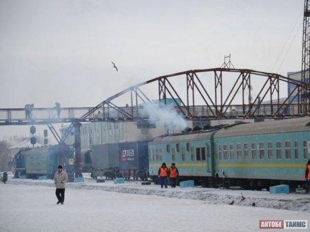 Проводник поезда Актобе – Шалкар повесился из-за пропажи 1,1 миллиона тенге