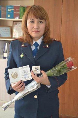 Полицейские Актау поздравили с 8 Марта вдов погибших сослуживцев