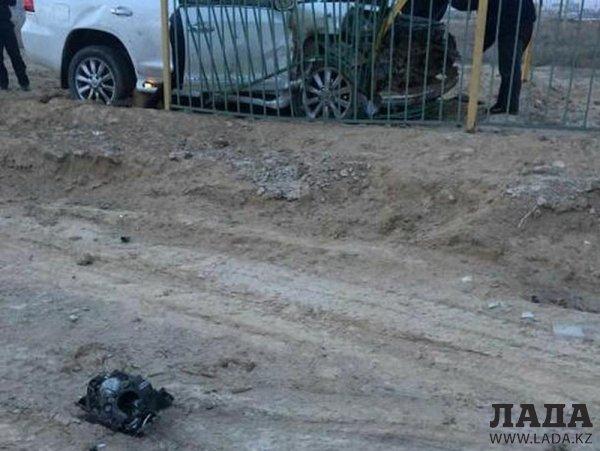 Внедорожник столкнулся с легковым автомобилем на выезде из Жанаозена