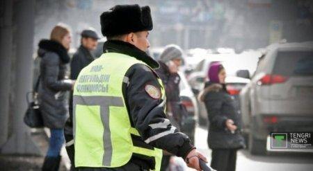 """Можно ли полицейским говорить """"ты"""" и """"эй"""" гражданам, ответили в МВД РК"""