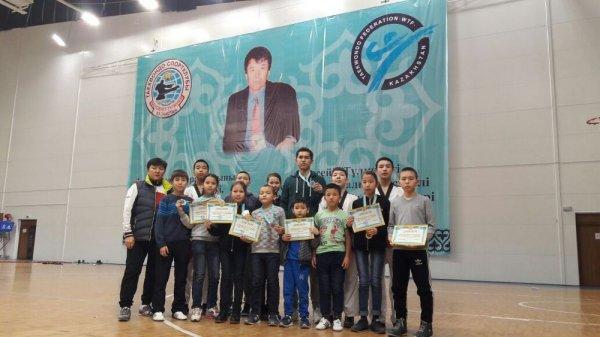 На республиканском турнире по таеквондо актаусцы завоевали весь комплект медалей