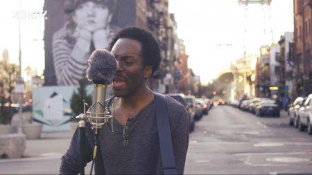 Певец из Бруклина выучил русский язык и теперь исполняет хиты «Гражданской обороны» и «Ленинграда»
