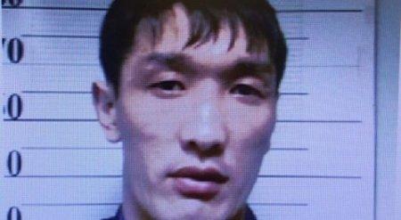 Мужчина в Астане забирал деньги у граждан Узбекистана, представляясь полицейским