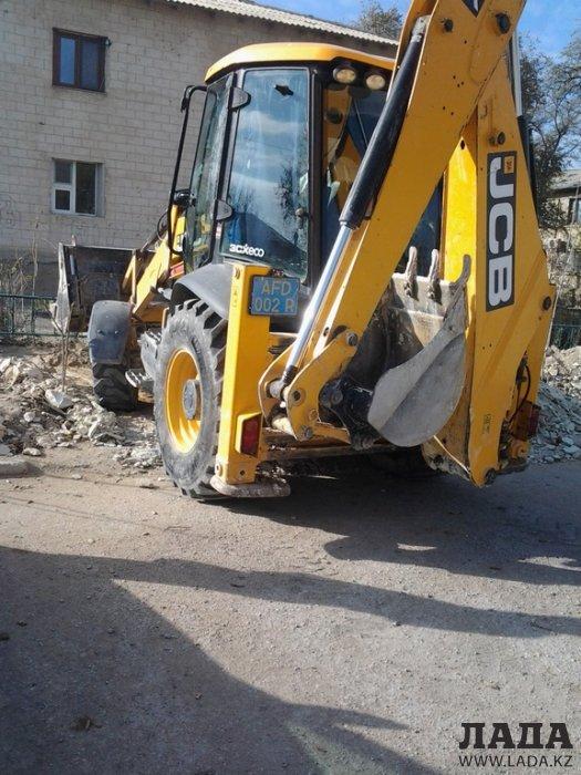 Кайрат Акыбаев: Вместо уничтоженных в 3 микрорайоне деревьев посадят новые
