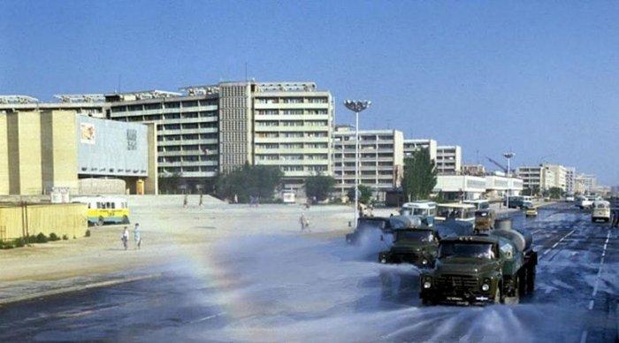 В ТОО «Кала жолдары» рассказали о поливе центральных дорог Актау