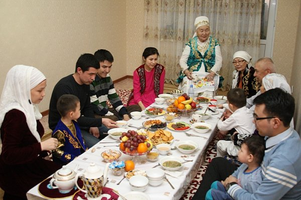 Учителя школы №3 Актау завоевали гран-при на областном конкурсе «Әжелер сайысы»