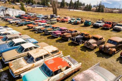 Канадское кладбище автомобилей выставили на продажу за миллион долларов