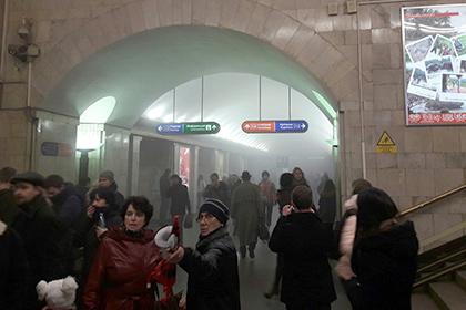Пять человек погибли и более 50 пострадали при взрыве в метро Петербурга