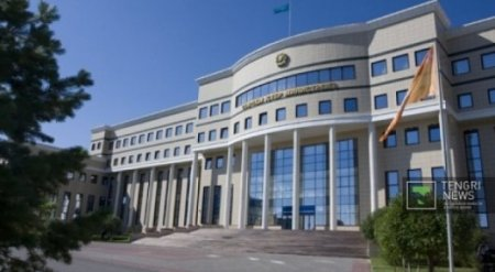 Ситуацию с задержанием казахстанской семьи в аэропорту Вильнюса
